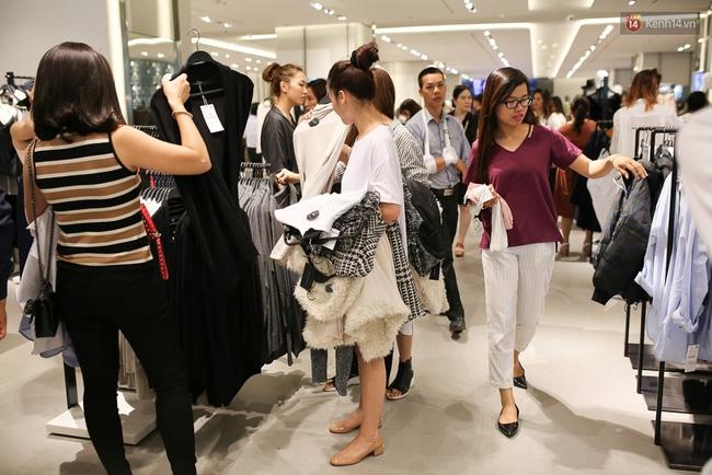 Zara Việt Nam bán được 5.5 tỷ đồng, phá đảo kỷ lục doanh thu trong ngày khai trương? - Ảnh 3.