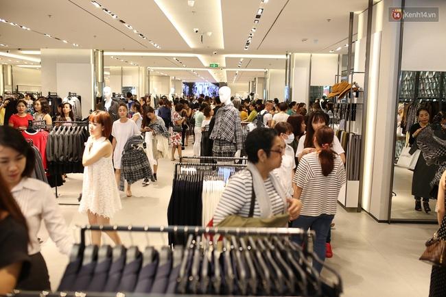 Zara Việt Nam bán được 5.5 tỷ đồng, phá đảo kỷ lục doanh thu trong ngày khai trương? - Ảnh 5.