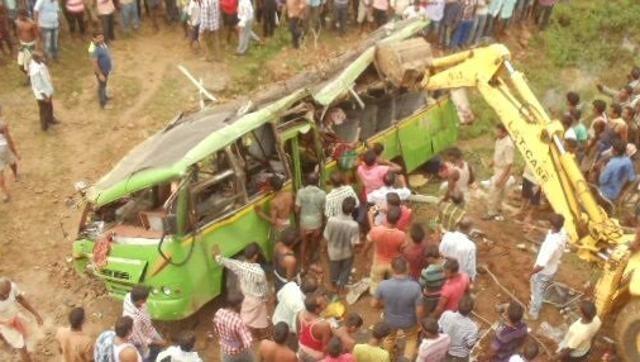 Trước đó vào tháng 6, 1 vụ rơi xe bus tại bang Odisha cũng đã khiến 23 người thiệt mạng. (Ảnh: ANI)