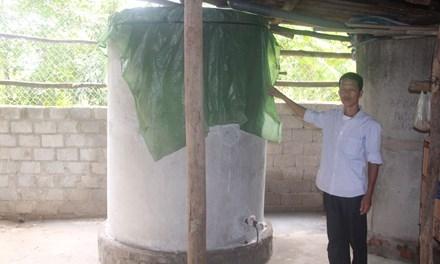 Bể nước của ông Thọ bị đối tượng xấu bỏ thuốc trừ sâu vào.