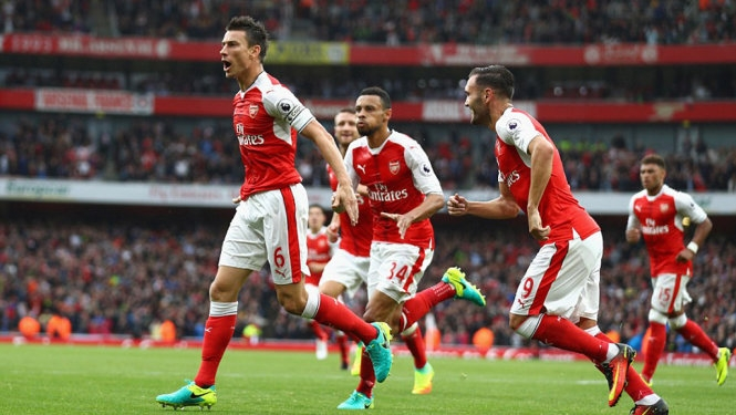 Cazorla ghi ở phút 90+4, Arsenal thắng nghẹt thở Southampton