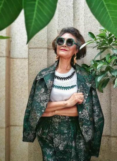 Cụ bà 73 tuổi gây 'bão' mạng với thời trang sành điệu - ảnh 6