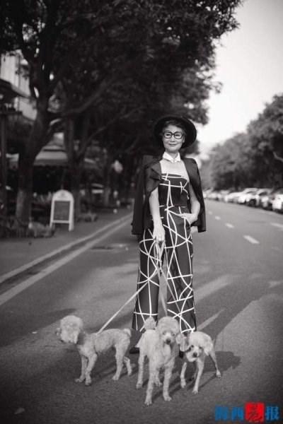 Cụ bà 73 tuổi gây 'bão' mạng với thời trang sành điệu - ảnh 7