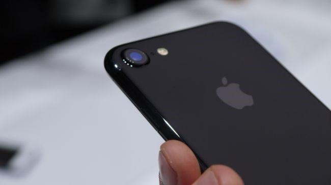 'Lam ra nhieu tien, toi gi khong mua iPhone 7' hinh anh 1