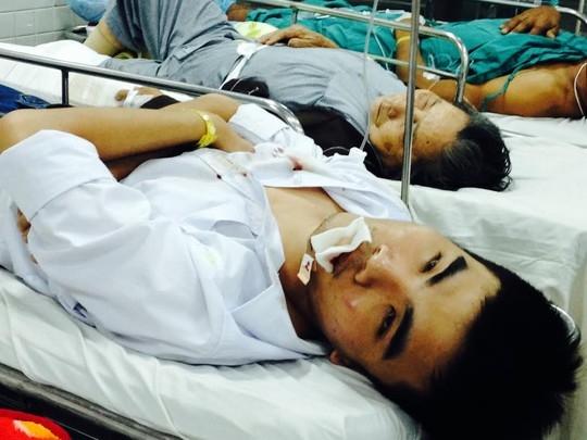 Các nạn nhân được chuyển đến Bệnh viện Chợ Rẫy