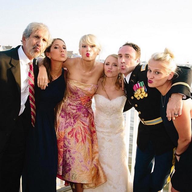 Taylor Swift giu hinh anh vui ve sau khi chia tay ban trai hinh anh 4