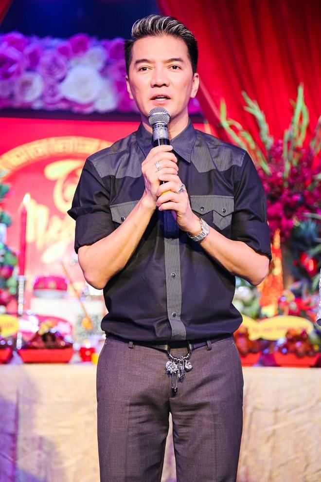 Dam Vinh Hung lan dau chu tri le gio To o san khau hinh anh 4