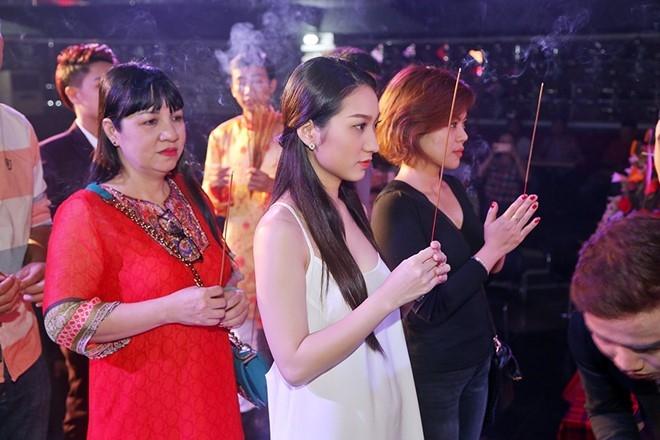 Dam Vinh Hung lan dau chu tri le gio To o san khau hinh anh 10