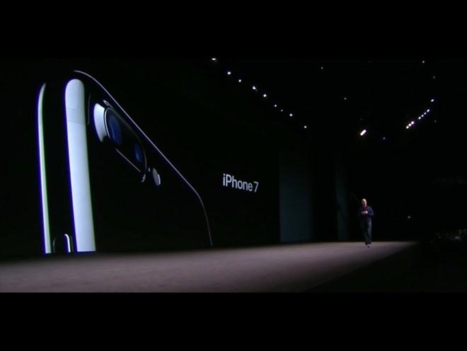 iPhone 7 chi la 'ke lot duong' cho iPhone 8 hinh anh 1