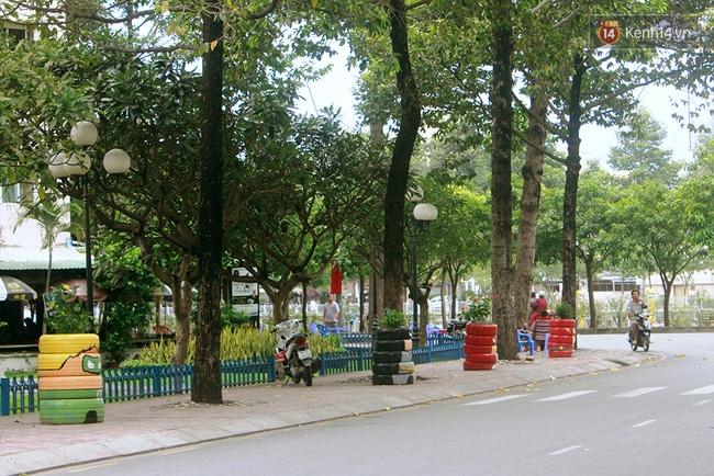Những siêu anh hùng làm bằng lốp xe cũ vô cùng đáng yêu trên đường phố Sài Gòn - Ảnh 1.