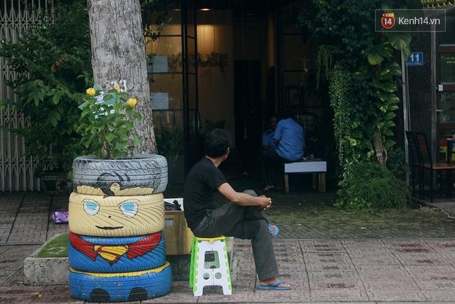 Những siêu anh hùng làm bằng lốp xe cũ vô cùng đáng yêu trên đường phố Sài Gòn - Ảnh 8.