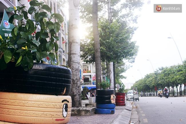 Những siêu anh hùng làm bằng lốp xe cũ vô cùng đáng yêu trên đường phố Sài Gòn - Ảnh 9.
