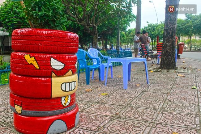 Những siêu anh hùng làm bằng lốp xe cũ vô cùng đáng yêu trên đường phố Sài Gòn - Ảnh 10.