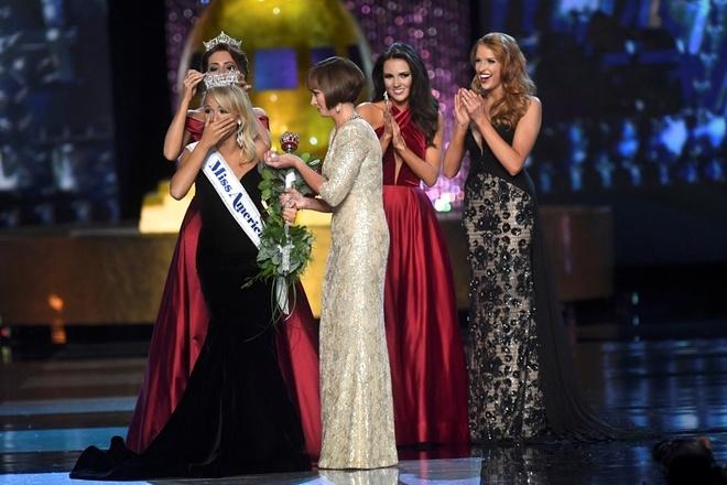 Cô gái 21 tuổi đăng quang Miss America 2017