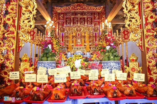Hoai Linh mo cong Nha tho To don nghe si Viet va nguoi dan hinh anh 9