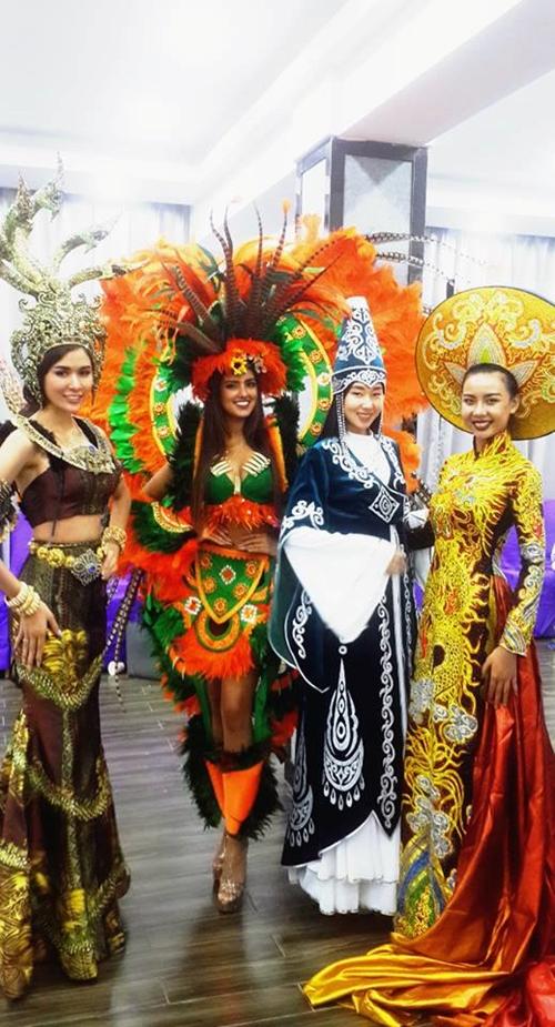 Lại Thanh Hương bức xúc khi chụp ảnh trang phục dân tộc tại Miss All Nation - ảnh 3