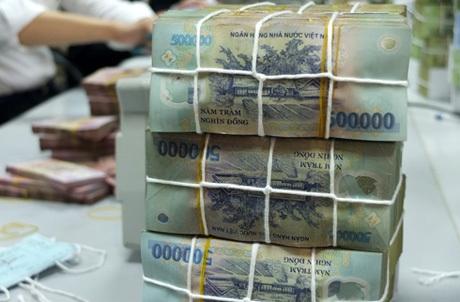 Đơn vị tiền tệ của Việt Nam khiến nhiều khách Tây đau đầu. Ảnh: VnExpress.