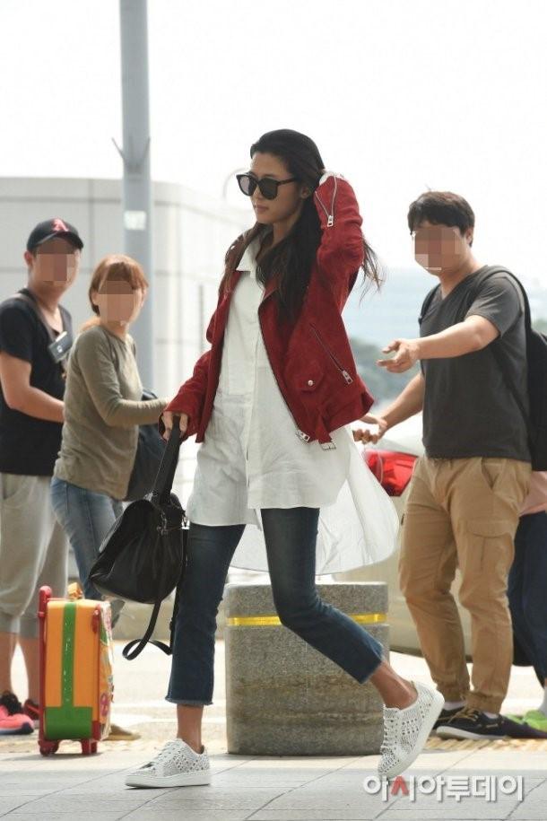 Jun Ji Hyun va Suzy do thoi trang sanh dieu o san bay hinh anh 2