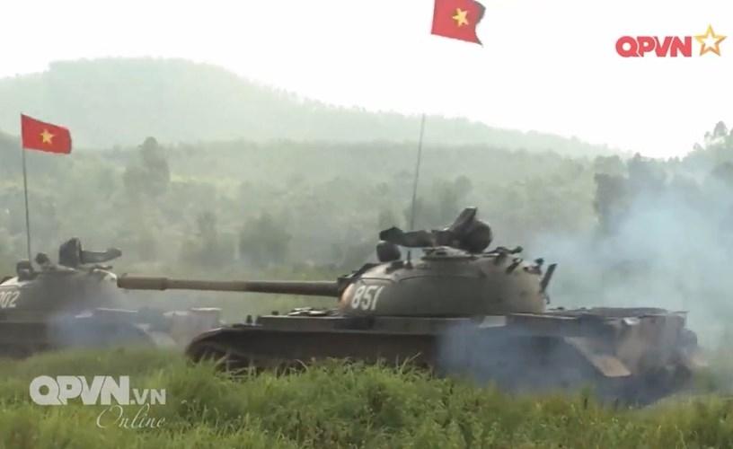 Muc so thi dan tang T-54 Viet Nam hung dung na phao-Hinh-10