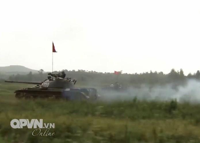 Muc so thi dan tang T-54 Viet Nam hung dung na phao-Hinh-12