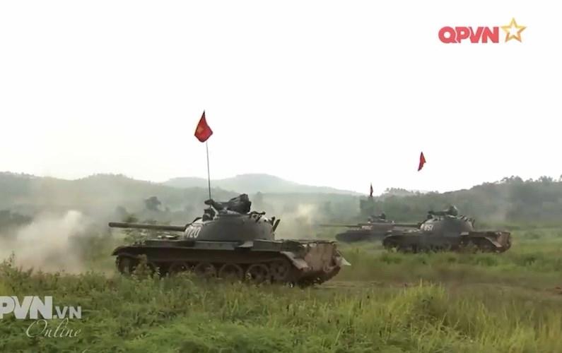 Muc so thi dan tang T-54 Viet Nam hung dung na phao-Hinh-13