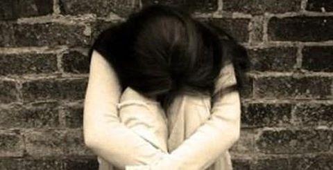 Kết quả hình ảnh cho hại đời em gái của bạn