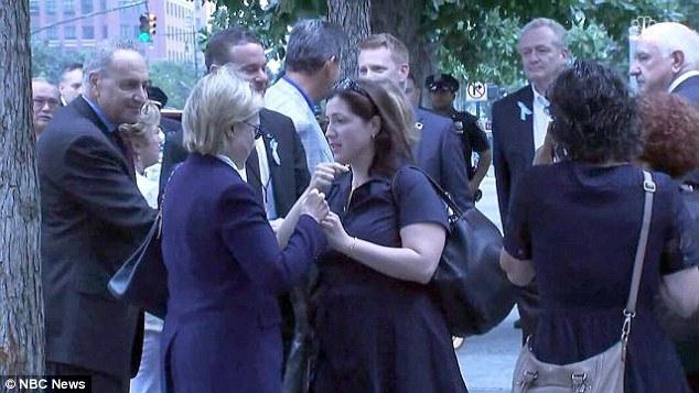 Người phụ nữ được cho là đang kiểm tra sức khỏe thần kinh cho bà Clinton. (Ảnh: NBC)