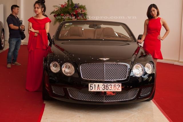 Trước đó, doanh nhân này cũng có một chiếc Bentley thuộc phiên bản thể thao Continental GTC Speed nhưng đã sang tay cho người khác.