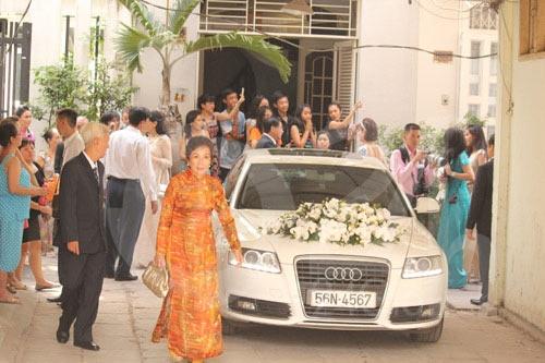Hay Audi A6 với biển số tiến từng làm xe đưa dâu trong đám cưới của Hà Tăng. Ảnh: Facebook.