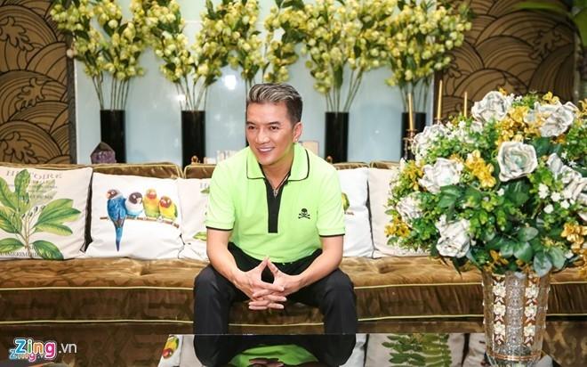 Kinh phi dau tu live show Dam Vinh Hung can moc 12 ty hinh anh 1