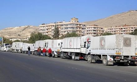 Mặc dù Aleppo đang đối mặt với tình trạng thiếu lương thực và nhiên liệu trầm trọng, chính quyền vẫn ngăn cản viện trợ từ Liên Hợp Quốc.