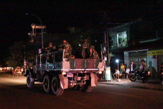 Quân đội Campuchia bao vây trụ sở phe đối lập