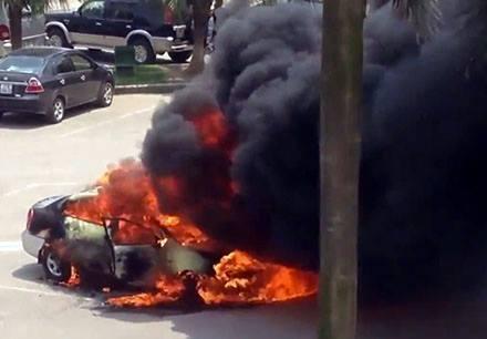 Image result for tài xế chết trong ôtô cháy ở sân bay Nội Bài
