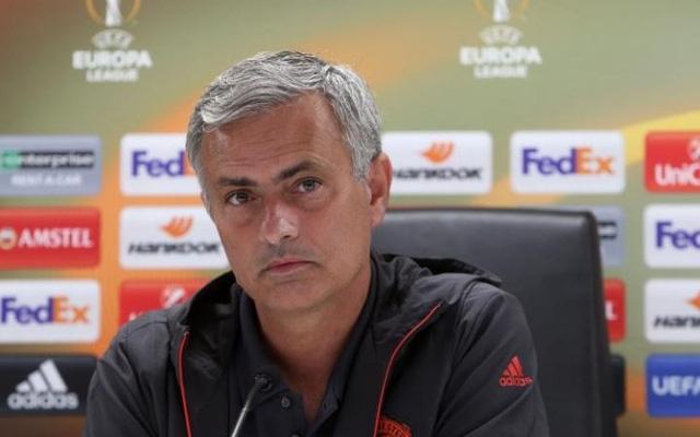 HLV Mourinho không thích thú với việc chơi ở Europa League