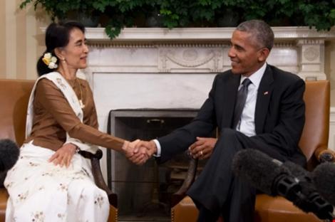 Bà Suu Kyi được Tổng thống Obama tiếp đón theo nghi thức đón lãnh đạo tại Nhà trắng ngày 14-9.