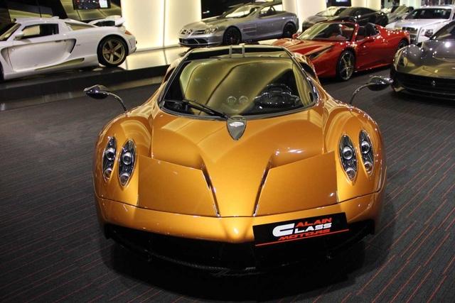 Trên toàn thế giới, chỉ có 100 chiếc Pagani Huayra ra đời với mức giá đề xuất 1,3 triệu USD. Khi ra mắt, siêu xe này nhanh chóng trở thành món đồ chơi sưu tầm của giới nhà giàu.