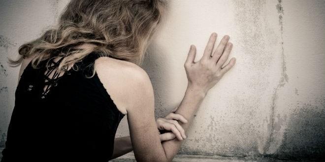 Cô con gái không nỡ tố cáo thủ phạm hiếp dâm mà còn đòi lấy người này vì thấy... tội nghiệp ///  Shutterstock