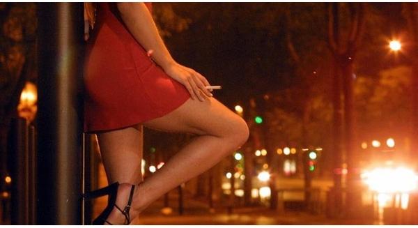 Làm việc 10-12 tiếng/ngày, thu nhập của gái mại dâm Việt Nam cao nhất 100 triệu đồng/tháng