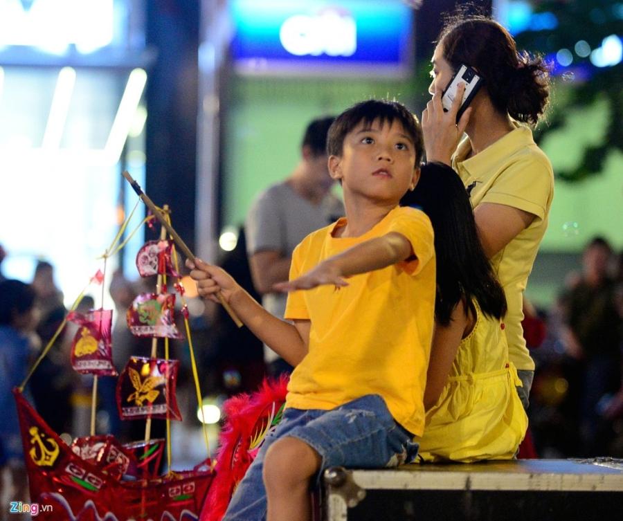 Nguoi Ha Noi, Sai Gon ra duong don Trung thu hinh anh 18