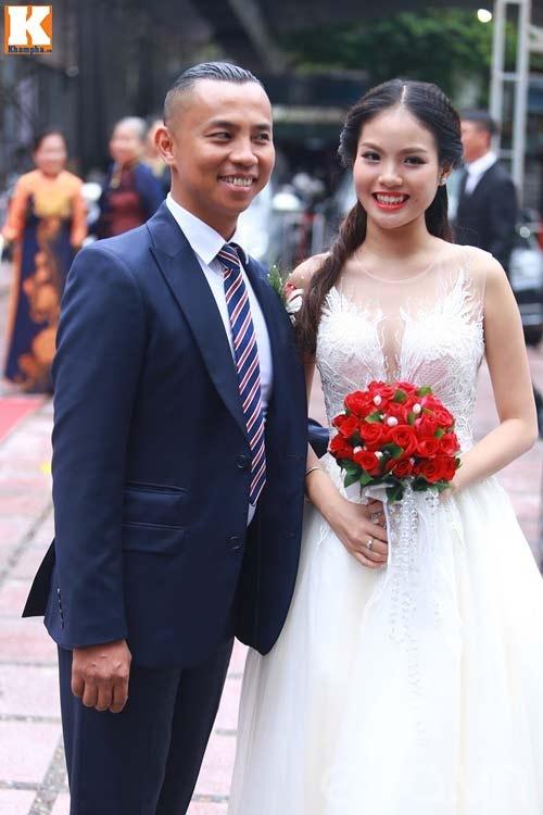 Những sao Việt gây xôn xao khi lấy vợ trẻ, chênh nhau ngoài 20 tuổi - 1