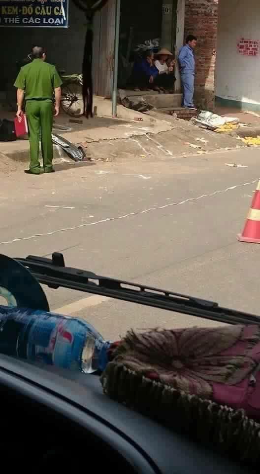 Phó trưởng công an huyện gây tai nạn khiến 1 cháu bé 10 tuổi tử vong - Ảnh 1.