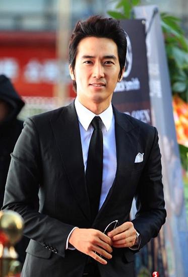 song-seung-hun-du-lien-hoan-phim-quoc-te-ha-noi