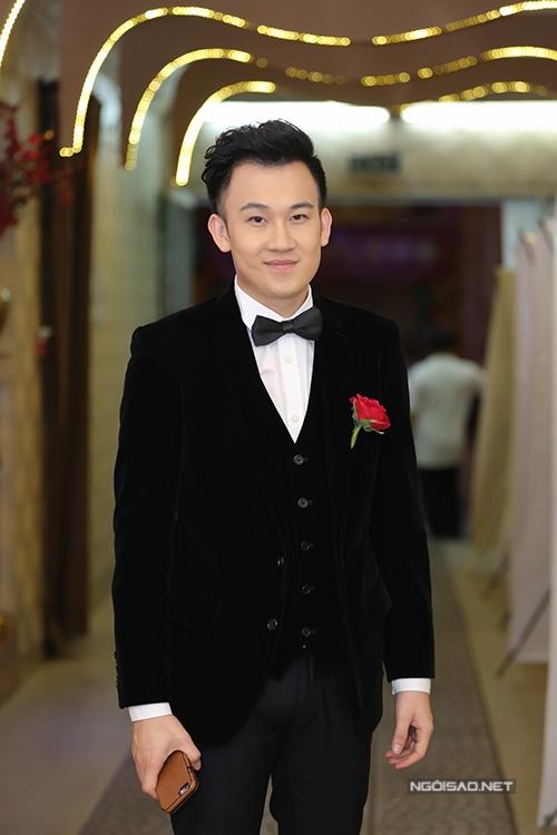 dan-sao-tang-minh-thuan-300-trieu-dong-sau-dem-nhac-9