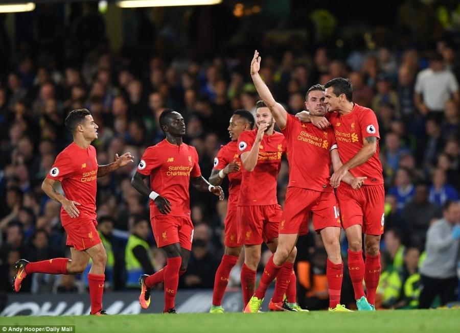 Liverpool khien Chelsea thua tran dau tien mua nay hinh anh 2