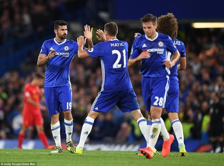 Liverpool khien Chelsea thua tran dau tien mua nay hinh anh 10