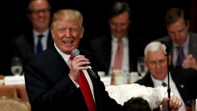 Ông Donald Trump vừa có phát biểu khiến nhiều người Cuba sẽ không hài lòng, nhưng cũng có thể là đòn tâm lý lấy lòng bộ phận cử tri Mỹ gốc Cuba ở Miami, bang Florida /// Reuters