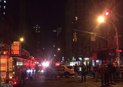 Hiện trường tan hoang vụ nổ bom rung chuyển ở New York - ảnh 2