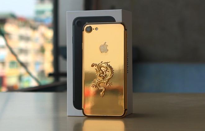 iPhone 7 Plus rong vang gia 90 trieu tai Viet Nam hinh anh 2