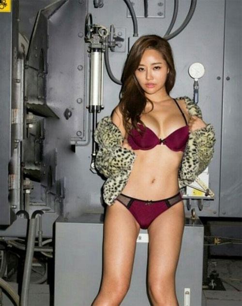 Mẫu tạp chí đàn ông xứ Hàn gây sốt nhờ vòng mông 93 cm - 9