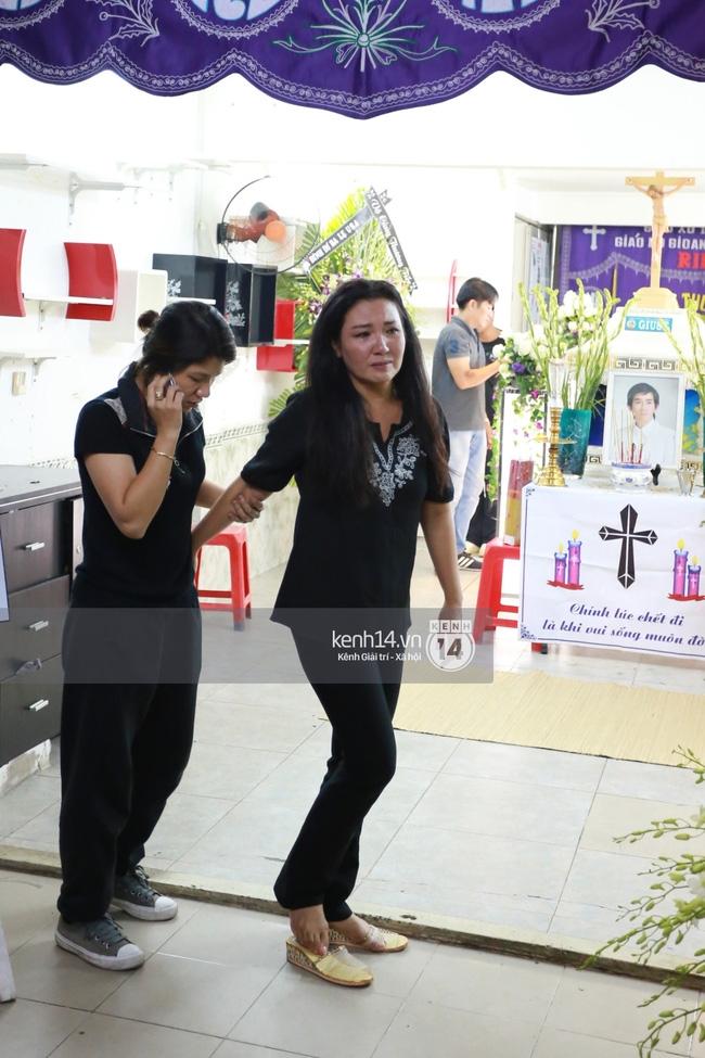 Sao Việt đau buồn đến viếng tang lễ nghệ sĩ Minh Thuận - Ảnh 10.